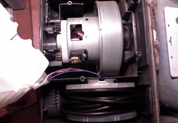 Двигатель в пылесосе