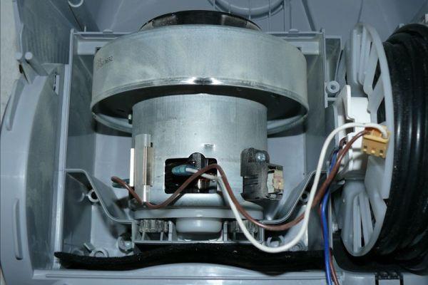 Подключение проводов к элдвигателю пылесооса