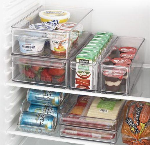 Пластиковые контейнеры для хранения продуктов