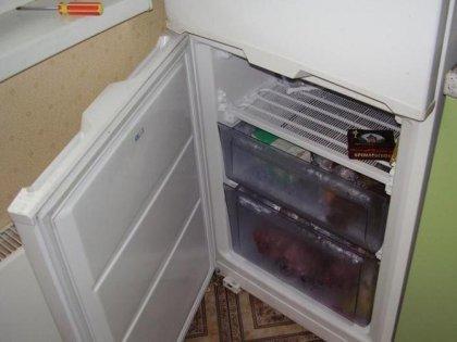 Неудобное расположение двери холодильника