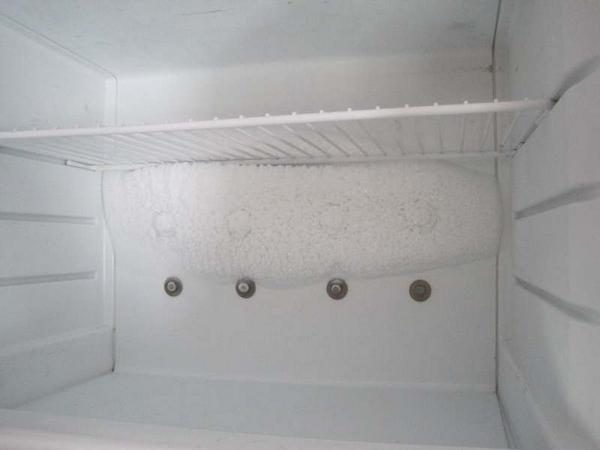 Лед на стенках холодильника
