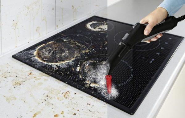 Чистка кухонной плиты паром