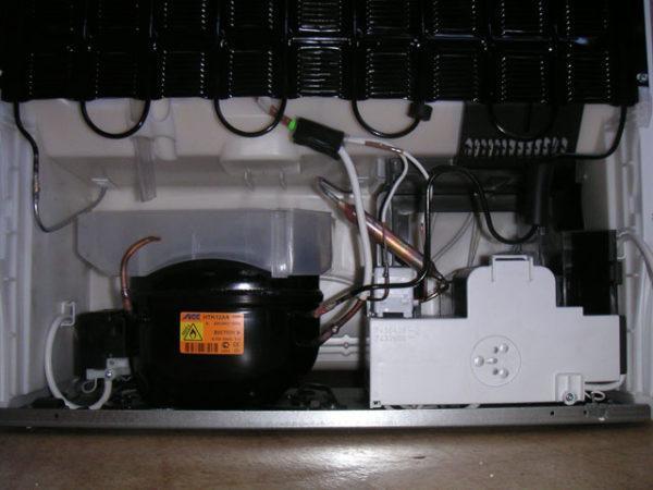 Компрессорный блок холодильника