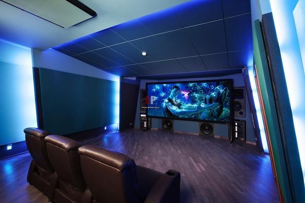 Кинотеатр в интерьере