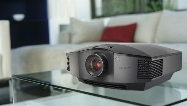 Как выбрать мультимедийный проектор для домашнего кинотеатра?