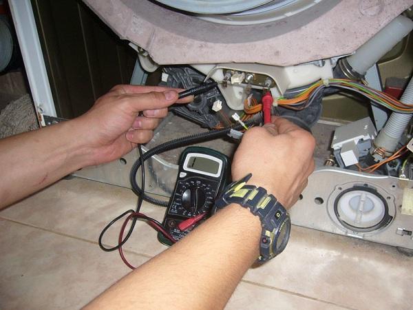 Проверка вольтметром