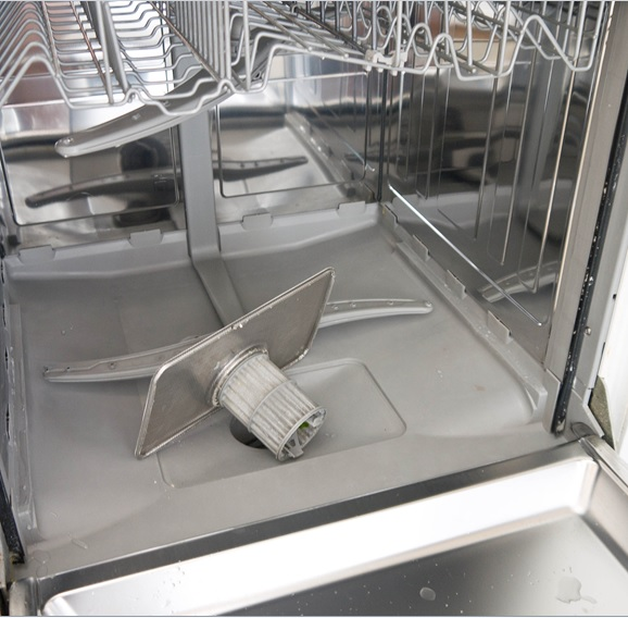Посудомойка внутри