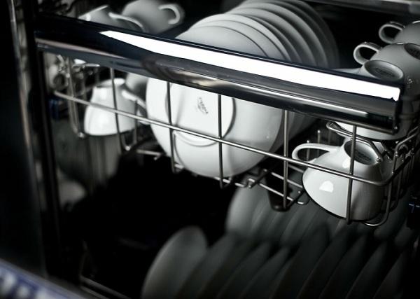 Посуда в машине