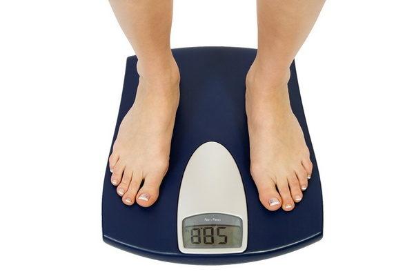 Как правильно стоять на весах