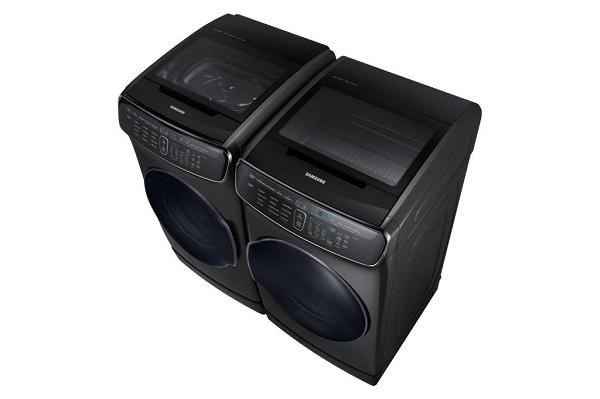 Черная стиральная машина