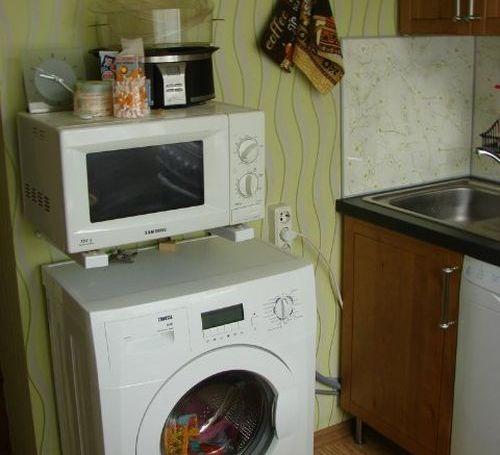 Микроволновка над стиральной машиной