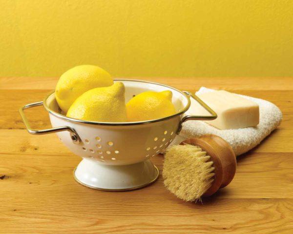 Уборка с лимоном