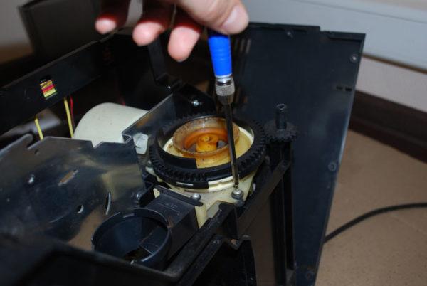 Чистка фильтра кофемашины