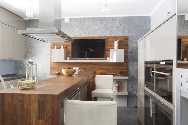 Телевизор в кухне-студии