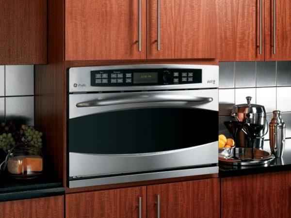 Где лучше разместить духовой шкаф на кухне