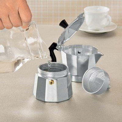 Особенности гейзерной кофеварки