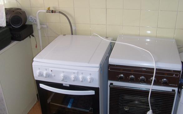 Две газовые плиты