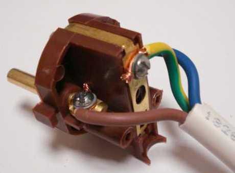 Вилка электрическая
