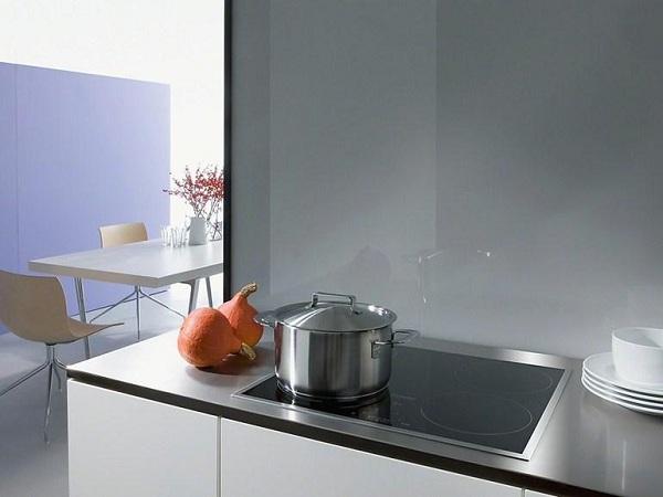 Варочная поверхность на кухне