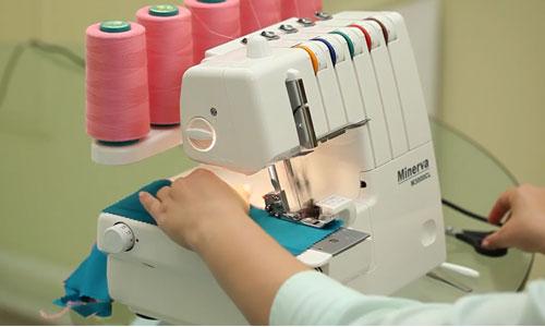 Обработка ткани оверлоком