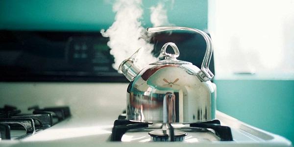 Картинки по запросу чайник на газовой плите