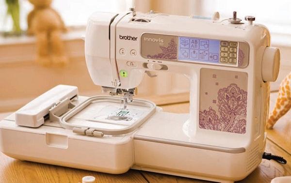Машина швейно-вышивальная