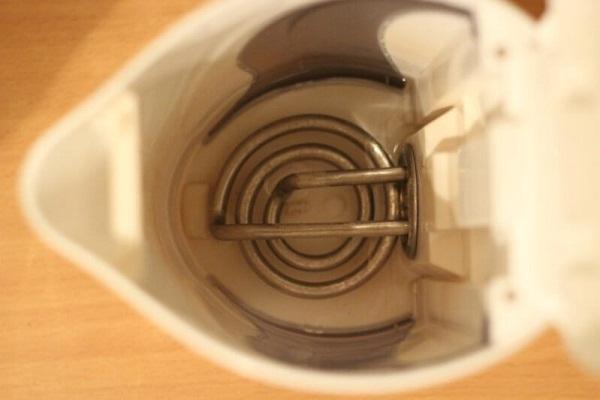 Открытый ТЭН в чайнике