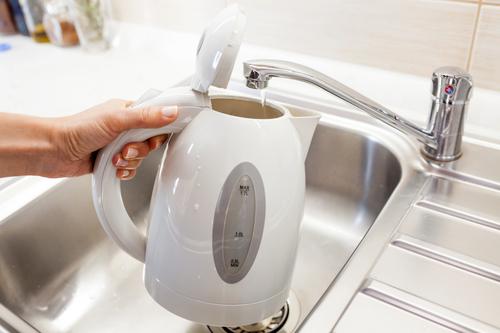 Набираем воду в чайник