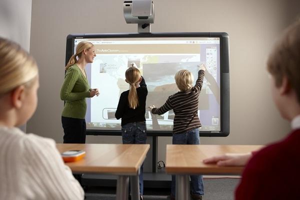 Проектор для учебных заведений