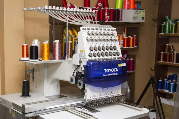 Профессиональная вышивальная машина