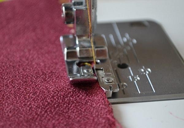 Как выбрать швейную машинку с оверлоком для дома