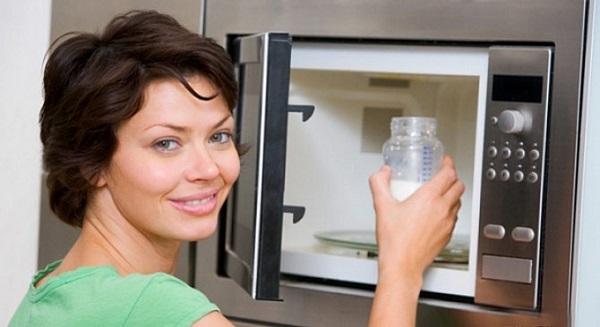 Грудное молоко в микроволновке