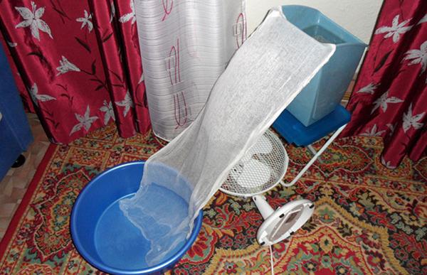 Кондиционер из марли и тазов с водой