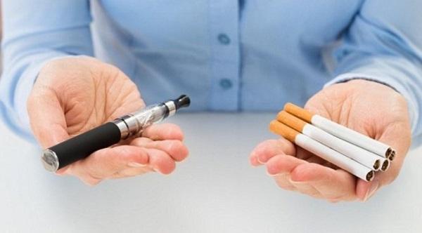 Электронная и обычная сигарета