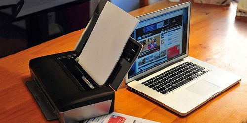 Принтер и ноутбук
