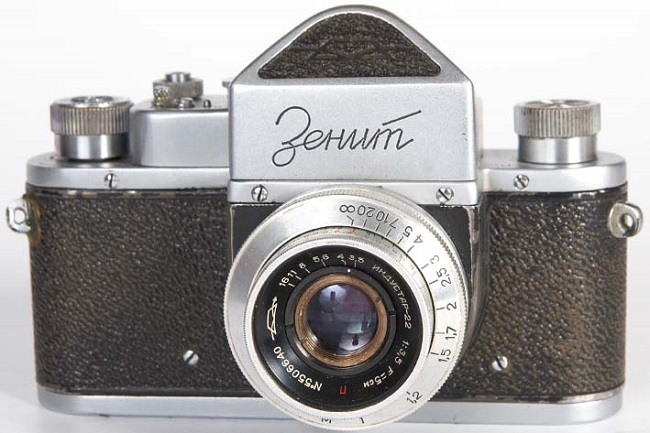 Популярный фотоаппарат Зенит