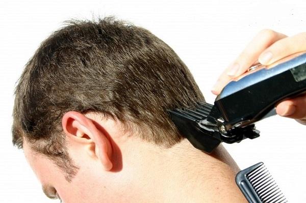 Применение машинки для стрижки волос