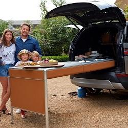 Автомобиль от Land Rover, «начиненный» кухонной техникой