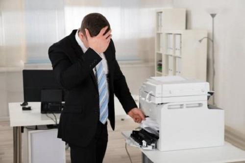 Бумага застряла в принтере