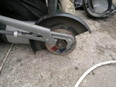 Откручивание газовым ключом