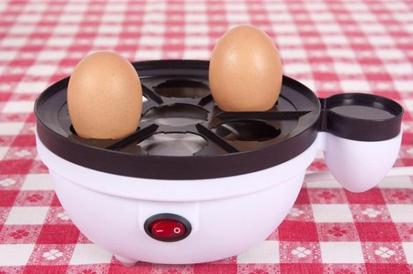 Яйца в яйцеварке