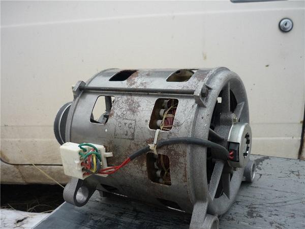 Электродвигатель со стиральной машины