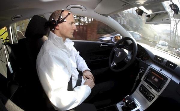 Водитель в автомобиле
