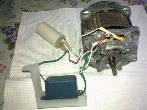 Двигатель Малютки