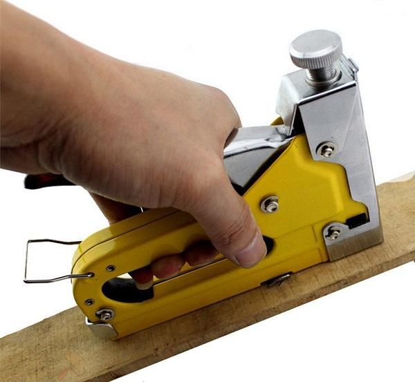 Механический степлер для дома
