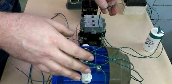 Фазосдвигающий конденсатор