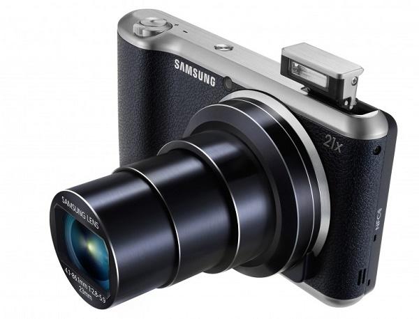 Фотокамера с выдвижным объективом и вспышкой