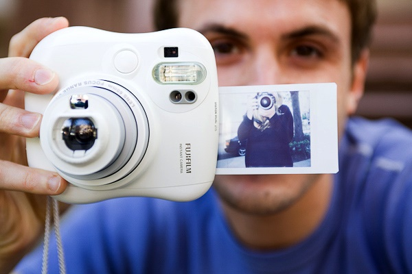 Фотокамера для моментальных снимков