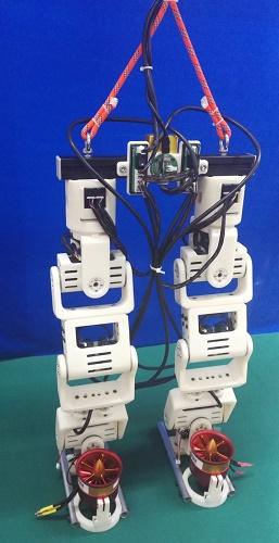 Робот на пропеллерах