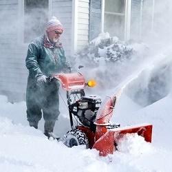 Какой снегоуборщик лучше купить для бытового применения